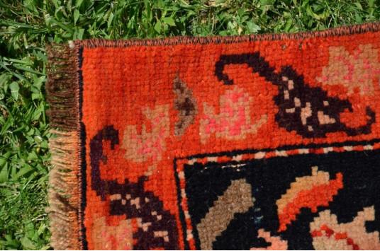 """Handmade Vintage Turkish Anatolian Rug For Home Decor 5'10,1"""" X 3'8,1"""""""