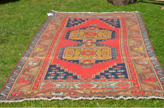 """Turkish Handmade Anatolian Vintage Rug For Home Decor 6'9,9"""" X 2'11,8"""""""