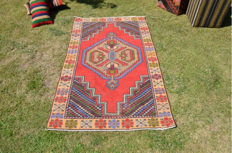 """Handmade Turkish Anatolian Vintage Rug For Home Decor 5'8,9"""" X 3'4,6"""""""
