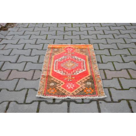 "Vintage Handmade Turkish Small Area Rug Doormat For Home Decor 3'0,2"" X 1'7,7"""