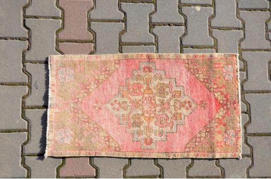 "Unique Turkish Vintage Small Area Rug Doormat For Home Decor 2'9,9"" X 1'6,1"""