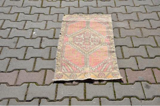 "Turkish Handmade Vintage Small Area Rug Doormat For Home Decor 3'0,2"" X 1'7,3"""