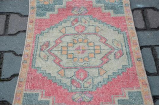 "Vintage Handmade Turkish Small Area Rug Doormat For Home Decor 3'0,6"" X 1'6,1"""