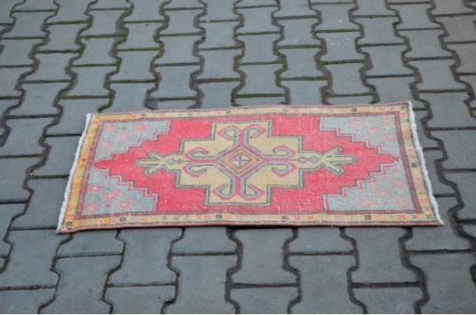 "Unique Turkish Vintage Small Area Rug Doormat For Home Decor 3'1,8"" X 1'5,3"""