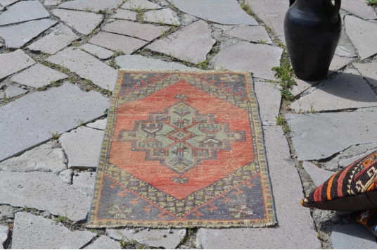 """Hand Knotted Turkish Vintage Small Area Rug Doormat For Home Decor 3'0,2"""" X 1'7,3"""""""