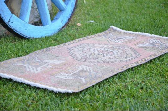 "Unique Turkish Vintage Small Area Rug Doormat For Home Decor 3'3,4"" X 1'6,1"""