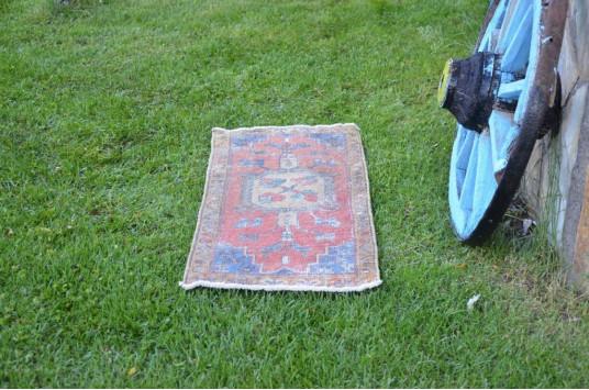"Turkish Handmade Vintage Small Area Rug Doormat For Home Decor 3'4,2"" X 1'5,7"""