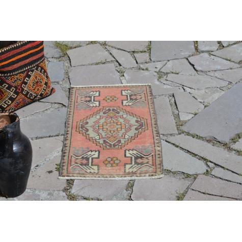 "Vintage Handmade Turkish Small Area Rug Doormat For Home Decor 3'0,2"" X 1'6,9"""
