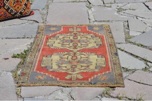 "Turkish Handmade Vintage Small Area Rug Doormat For Home Decor 2'9,9"" X 1'6,9"""