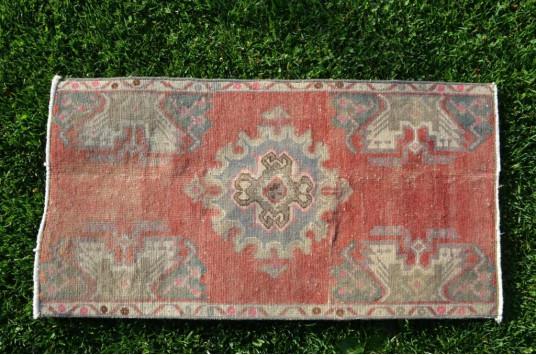 "Unique Turkish Vintage Small Area Rug Doormat For Home Decor 2'10,6"" X 1'6,5"""