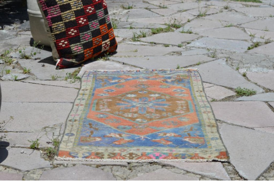 "Vintage Handmade Turkish Small Area Rug Doormat For Home Decor 3'1,8"" X 1'6,5"""