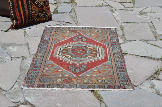 "Unique Turkish Vintage Small Area Rug Doormat For Home Decor 3'3,8"" X 1'8,1"""
