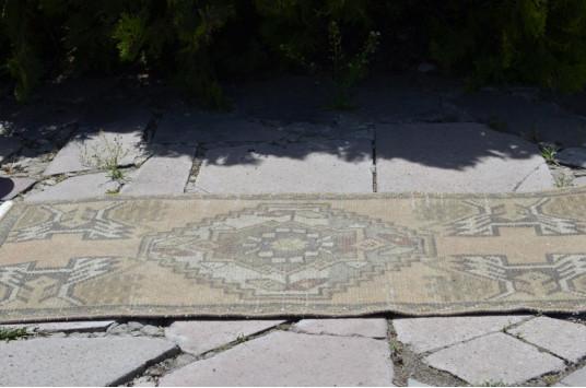"Vintage Handmade Turkish Small Area Rug Doormat For Home Decor 3'3"" X 1'6,5"""
