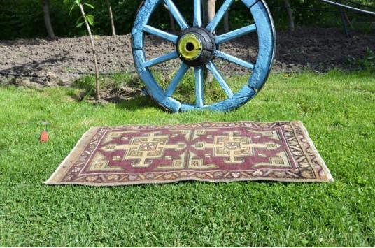 "Unique Turkish Vintage Small Area Rug Doormat For Home Decor 2'11,4"" X 1'7,7"""