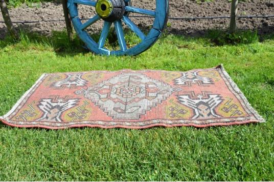 "Turkish Handmade Vintage Small Area Rug Doormat For Home Decor 3'3"" X 1'8,5"""