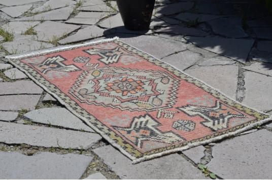 "Handmade Turkish Vintage Small Area Rug Doormat For Home Decor 3'4,2"" X 1'7,7"""