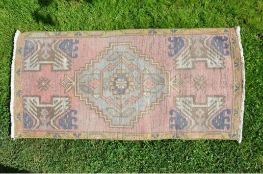 "Vintage Handmade Turkish Small Area Rug Doormat For Home Decor 3'4,2"" X 1'7,7"""