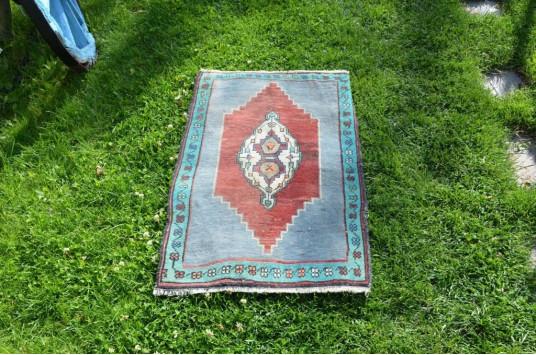 "Unique Turkish Vintage Small Area Rug Doormat For Home Decor 2'11"" X 1'10,4"""