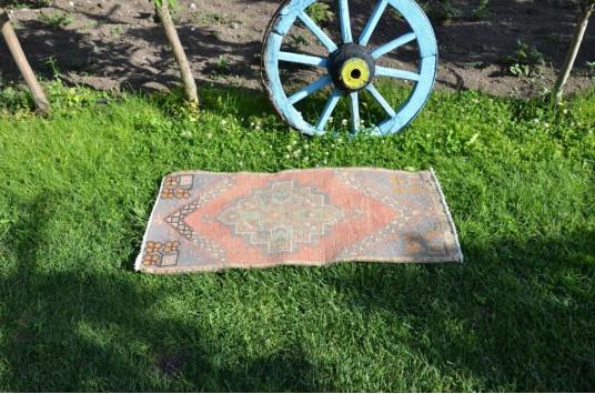 "Turkish Handmade Vintage Small Area Rug Doormat For Home Decor 3'5,3"" X 1'7,7"""
