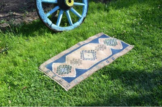 "Unique Turkish Vintage Small Area Rug Doormat For Home Decor 2'11,4"" X 1'6,5"""