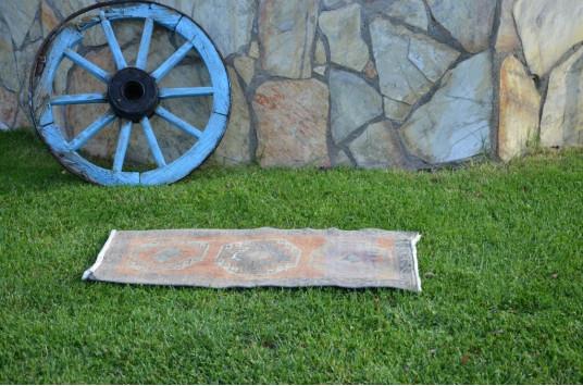 "Unique Turkish Vintage Small Area Rug Doormat For Home Decor 3'1,4"" X 1'6,9"""