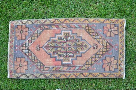 "Vintage Handmade Turkish Small Area Rug Doormat For Home Decor 3'0,6"" X 1'6,9"""