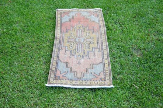 "Vintage Handmade Turkish Small Area Rug Doormat For Home Decor 3'4,2"" X 1'6,1"""