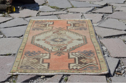 """Natural Turkish Vintage Small Area Rug Doormat For Home Decor 3'0,6"""" X 1'5,7"""""""