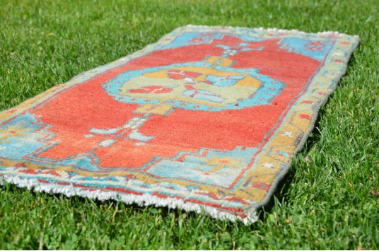 """Natural Turkish Vintage Small Area Rug Doormat For Home Decor 3'6,1"""" X 1'5,3"""""""