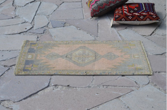 """Natural Turkish Vintage Small Area Rug Doormat For Home Decor 3'0,6"""" X 1'8,5"""""""