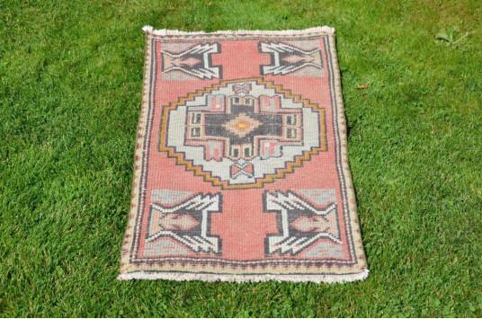 "Turkish Handmade Vintage Small Area Rug Doormat For Home Decor 3'4,9"" X 1'9,3"""