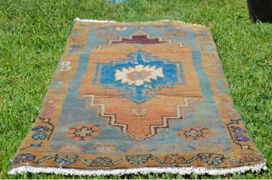 "Unique Turkish Vintage Small Area Rug Doormat For Home Decor 3'4,2"" X 1'6,5"""