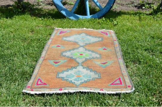 "Handmade Turkish Vintage Small Area Rug Doormat For Home Decor 2'7,9"" X 1'8,5"""