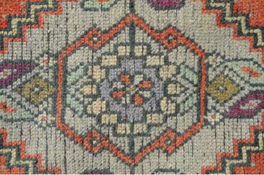 "Vintage Handmade Turkish Small Area Rug Doormat For Home Decor 3'2,6"" X 1'6,1"""