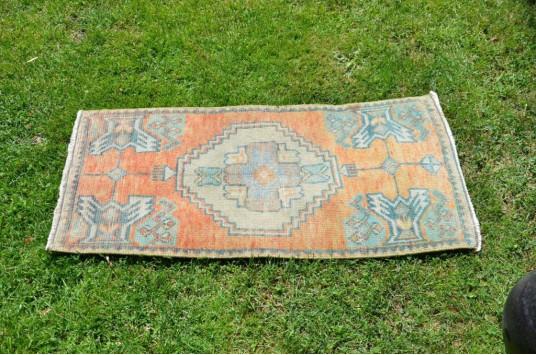"Handmade Turkish Vintage Small Area Rug Doormat For Home Decor 3'1,4"" X 1'6,5"""