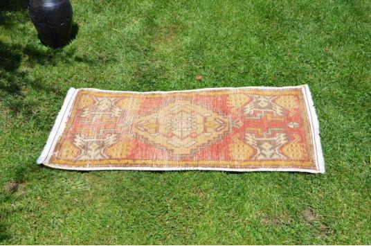 "Vintage Handmade Turkish Small Area Rug Doormat For Home Decor 3'3,8"" X 1'6,9"""