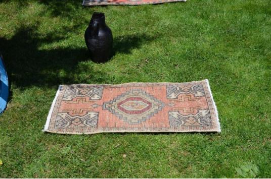 "Turkish Handmade Vintage Small Area Rug Doormat For Home Decor 3'1,4"" X 1'8,1"""