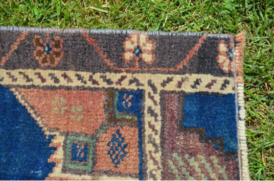 "Unique Turkish Vintage Small Area Rug Doormat For Home Decor 3'1,4"" X 1'11,6"""