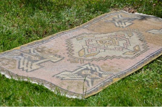 "Unique Turkish Vintage Small Area Rug Doormat For Home Decor 3'2,6"" X 1'6,5"""