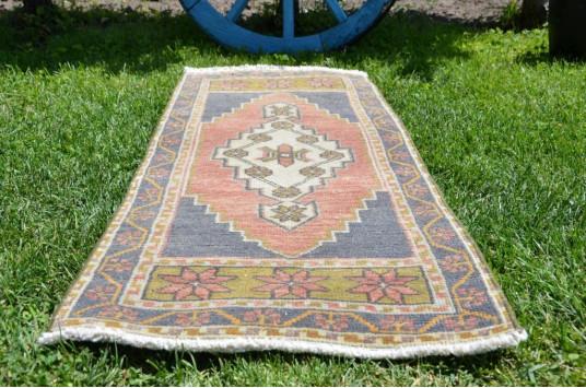"Vintage Handmade Turkish Small Area Rug Doormat For Home Decor 3'3,8"" X 1'5,7"""