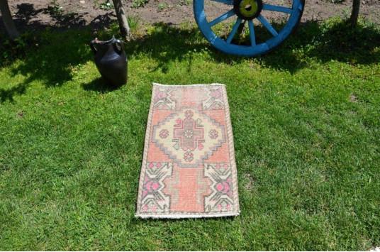 "Turkish Handmade Vintage Small Area Rug Doormat For Home Decor 3'0,2"" X 1'3,7"""