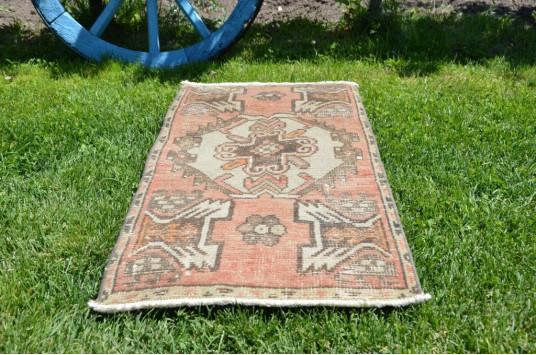 "Handmade Turkish Vintage Small Area Rug Doormat For Home Decor 2'11,4"" X 1'5,7"""