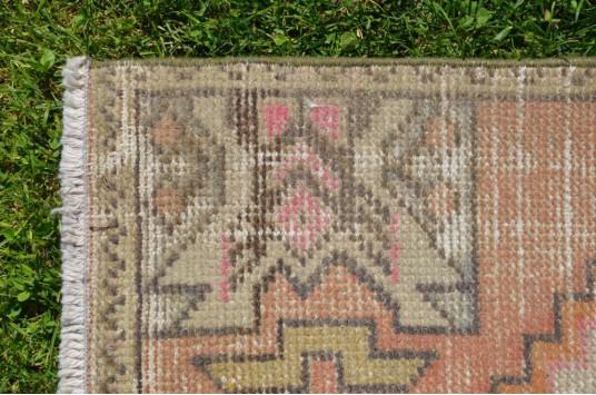 "Turkish Handmade Vintage Small Area Rug Doormat For Home Decor 3'0,2"" X 1'5,7"""