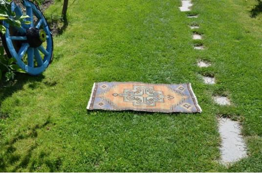 "Unique Turkish Vintage Small Area Rug Doormat For Home Decor 2'10,3"" X 1'5,7"""