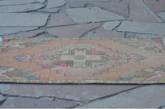 "Turkish Handmade Vintage Small Area Rug Doormat For Home Decor 2'8,3"" X 1'7,7"""