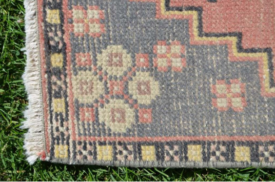 """Natural Turkish Vintage Small Area Rug Doormat For Home Decor 3'2,2"""" X 1'6,5"""""""