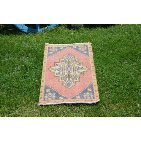 "Unique Turkish Vintage Small Area Rug Doormat For Home Decor 3'1,8"" X 1'6,5"""
