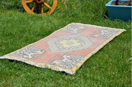 "Turkish Handmade Vintage Small Area Rug Doormat For Home Decor 3'0,6"" X 1'7,3"""