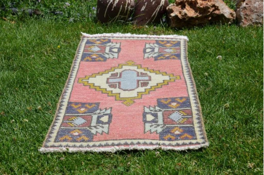 """Natural Turkish Vintage Small Area Rug Doormat For Home Decor 3'2,6"""" X 1'6,5"""""""
