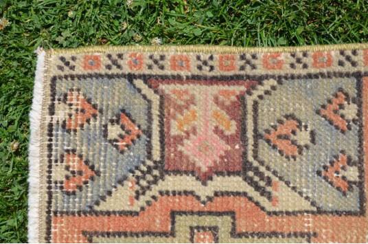 "Turkish Handmade Vintage Small Area Rug Doormat For Home Decor 3'1,4"" X 1'6,1"""